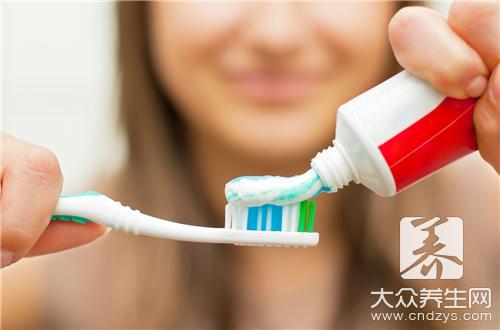 牙膏和盐可以去黑头吗