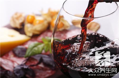 白葡萄酒适合配什么菜
