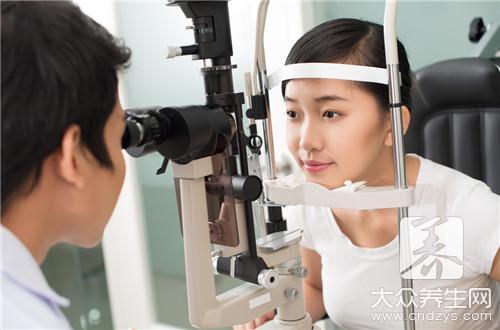 散瞳治疗假性近视
